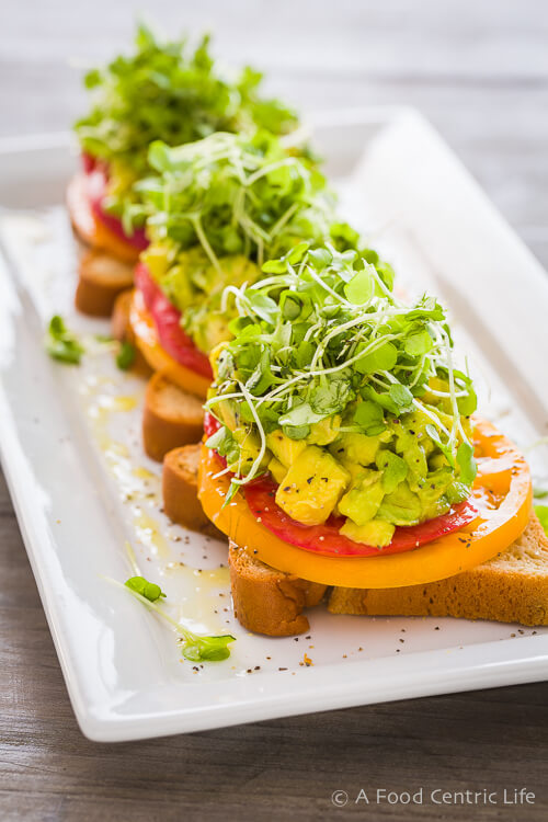 Heirloom-Tomato-Avocado-Toasts-0421